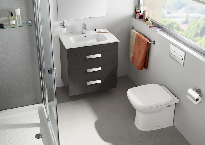 Vitreous china close coupled wc with horizontal outlet for Inodoro roca debba