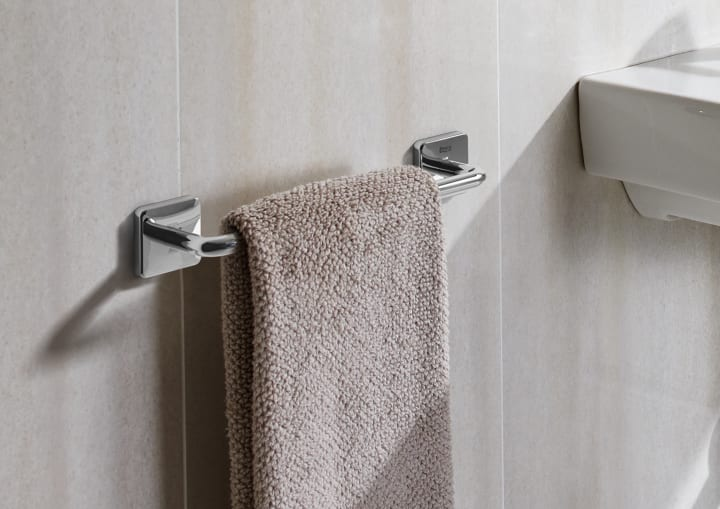 Vitreous China Close Coupled Wc With Horizontal Outlet