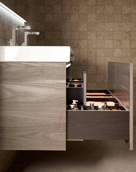 Stratum-N furniture with drawers which can be pulled out completely