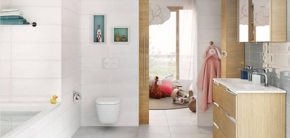 Bathroom for families by Roca